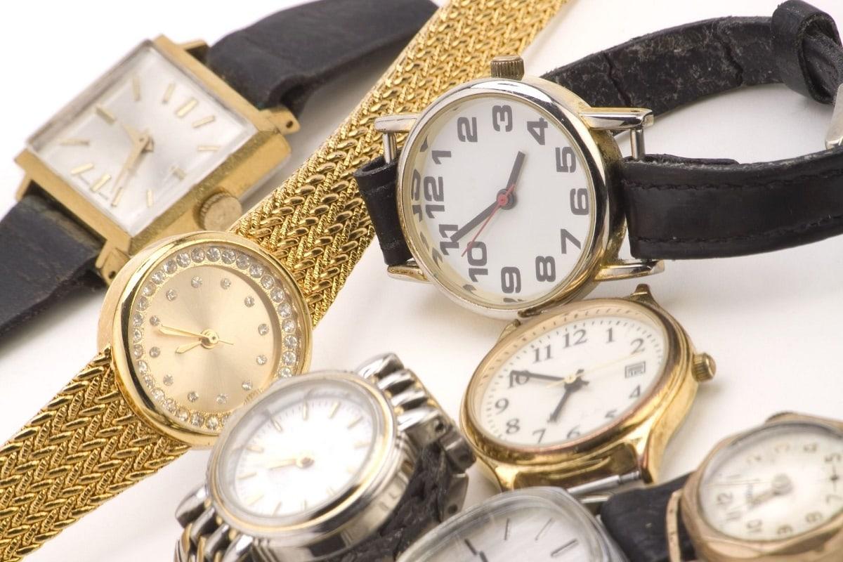 Ure i forskellige materialer