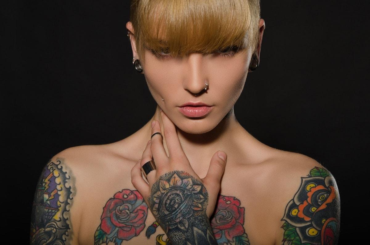 tatoveringer og piercinger