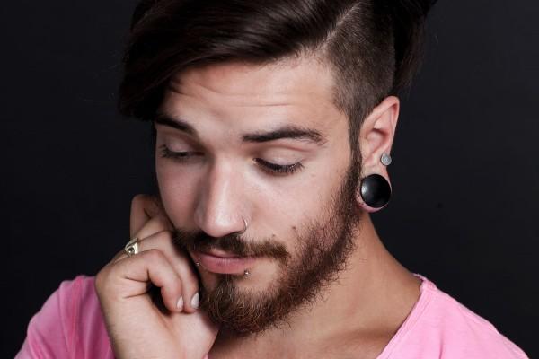 Sådan foregår stretching af piercinger og piercinghuller
