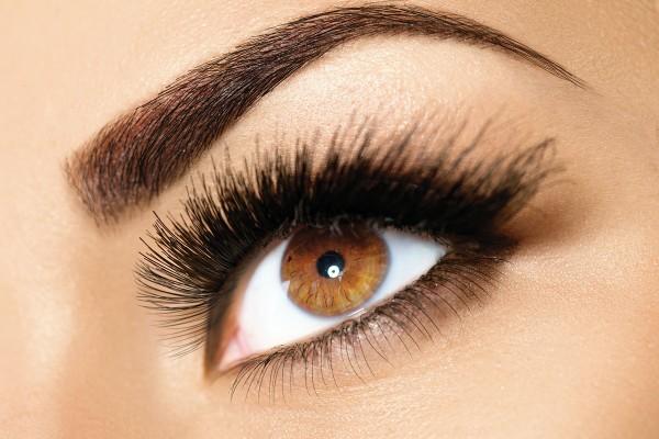 Øjenvippe serum – få dine øjenvipper til at se smukke ud igen!