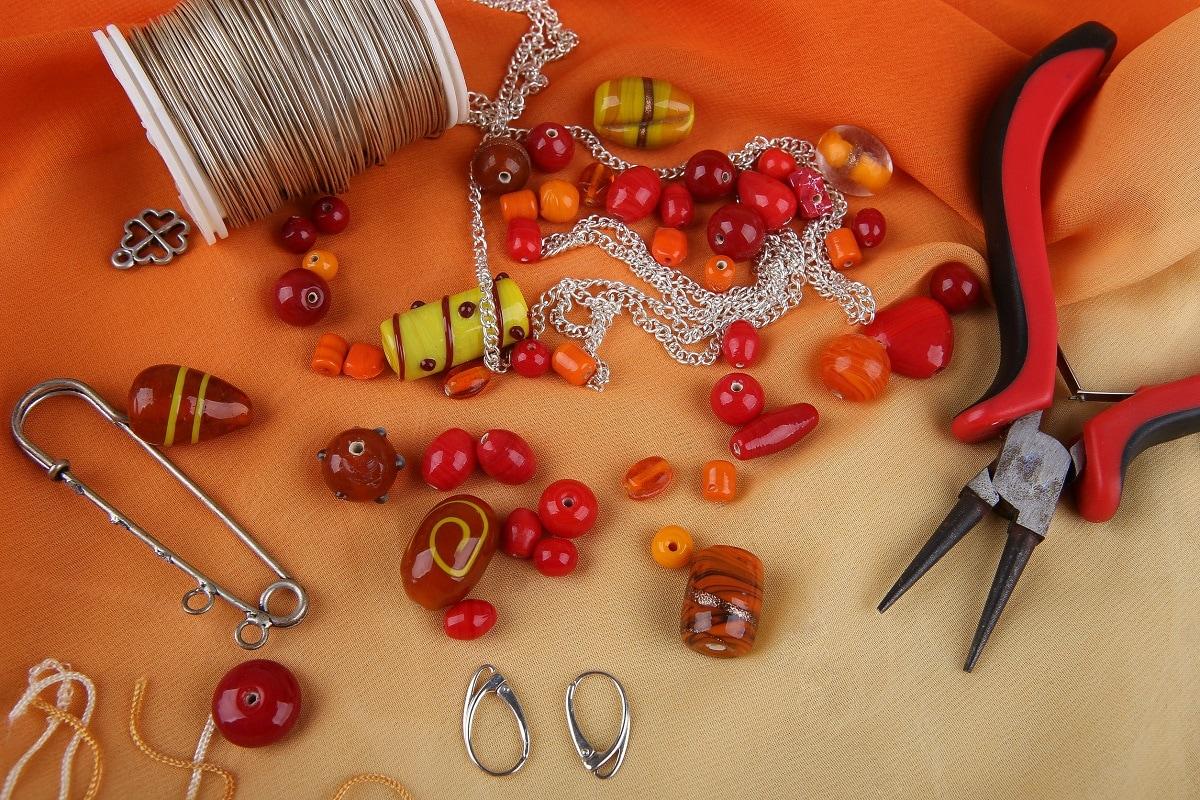 hvordan laver man smykker