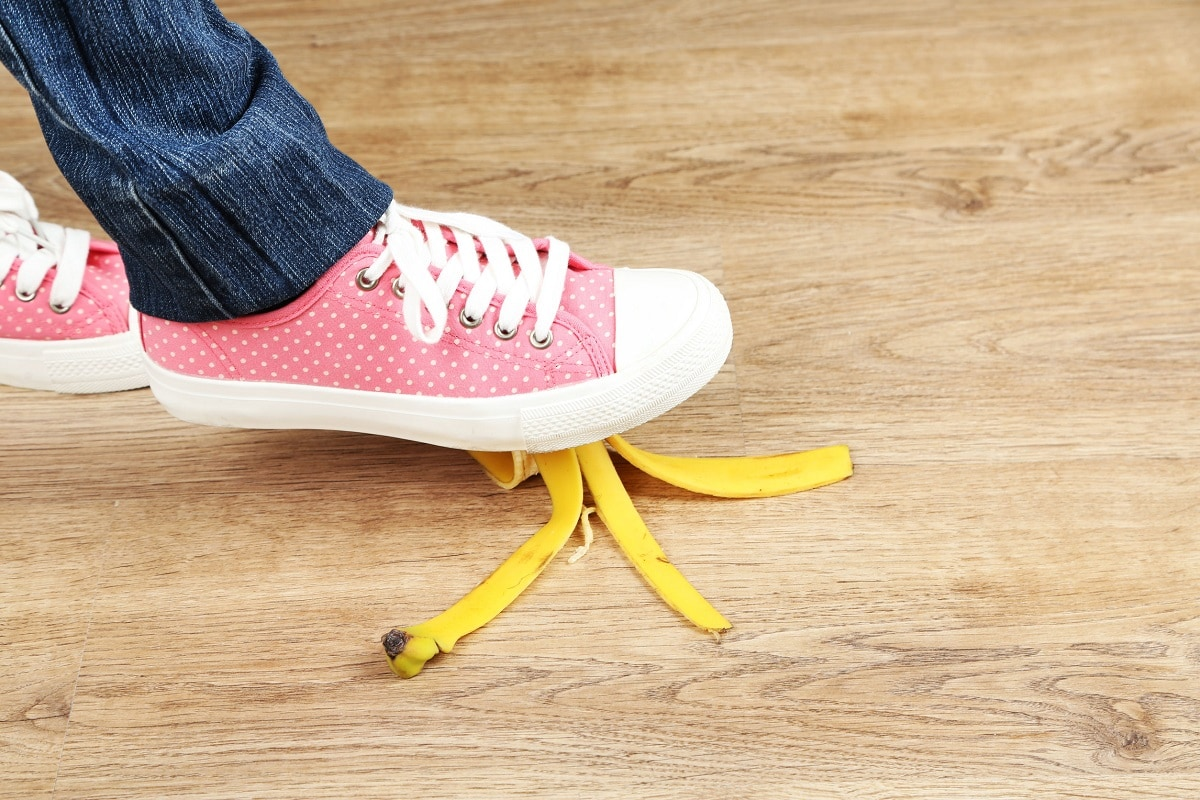 Fod glider i bananskræl