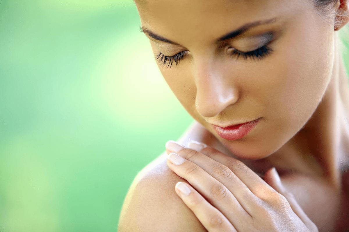 Kvinde med parfumeallergi