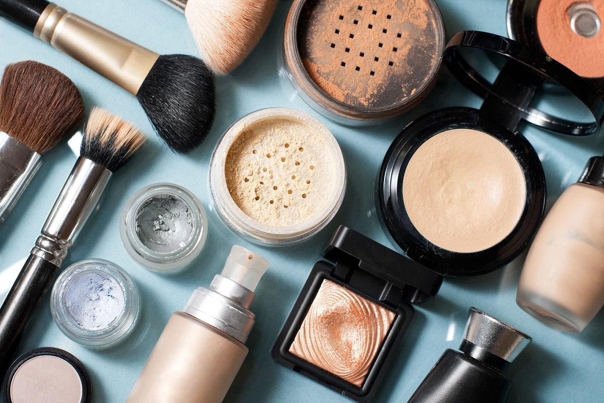 Forskellige makeup produkter