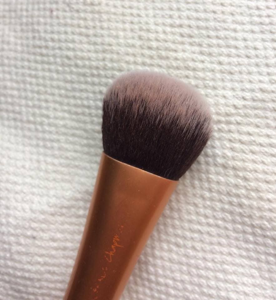 Real Tecniques Expert Face Brush detalje